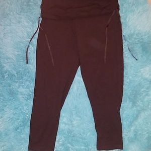 New Victoria Sport Long  Workout Pants Size Medium